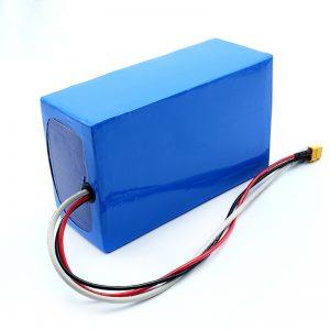 ლითიუმის დატენვის 36V 10Ah Li -on 18650 ელექტრო Skateboard ბატარეის პაკეტი